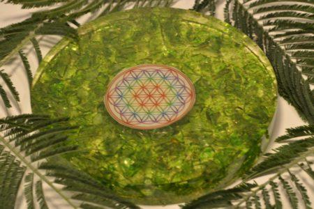 orgonite sous verre vert